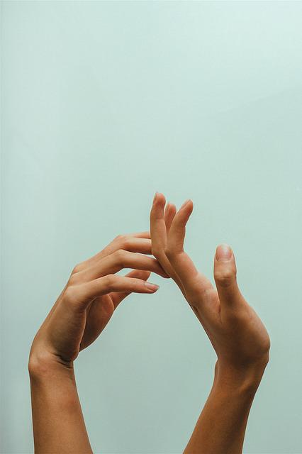 من و او (بیست و شش) – دستها، این دستهای زنانه