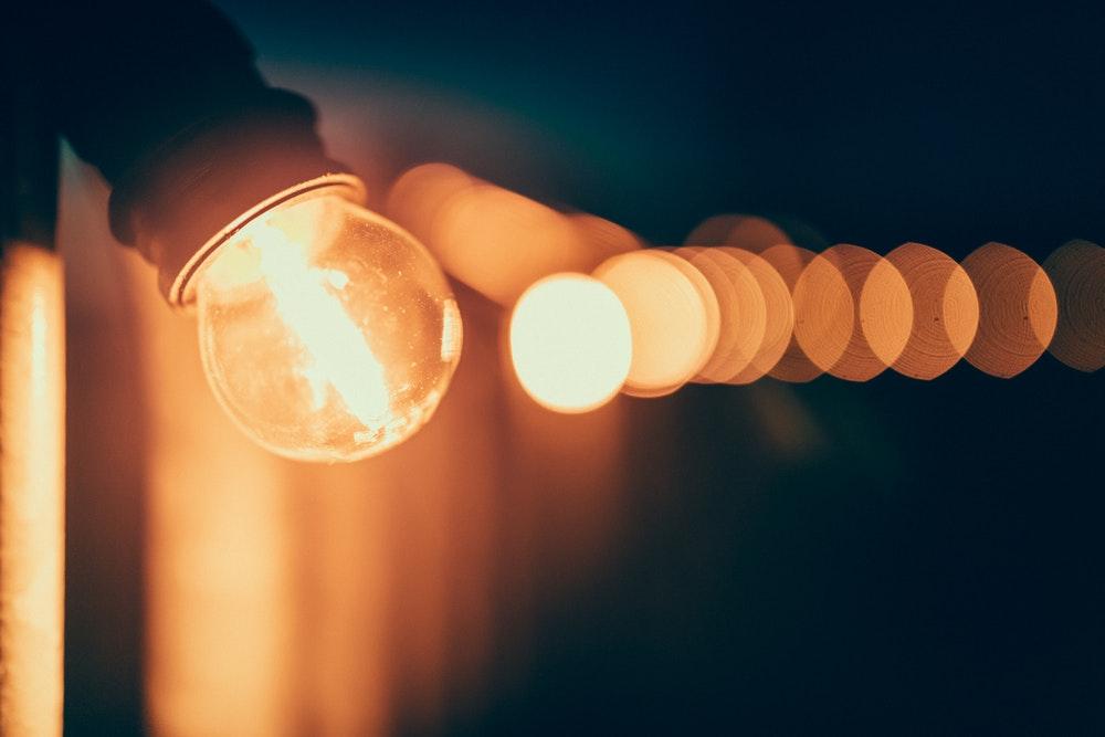 طرح داستان کوتاه «نورسان» یا «نور، نور، ضد نور»